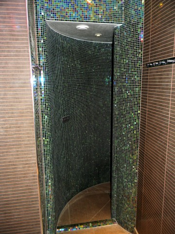 One Leisure, St. Neots - Pure Spa Snail Shower