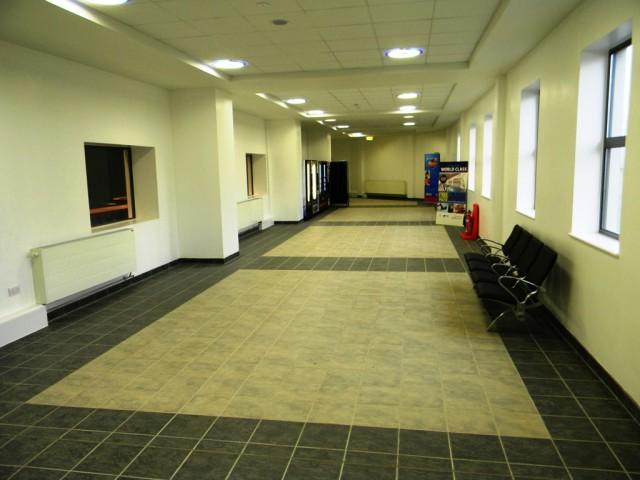 Garons Pool - Link Corridor