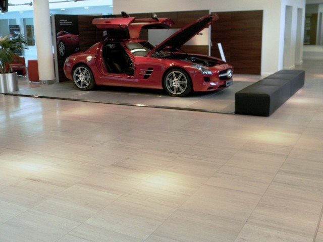 MBUK - Main showroom floor 04