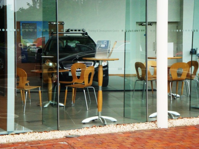 Mercedes Benz UK Training Centre MK 011a